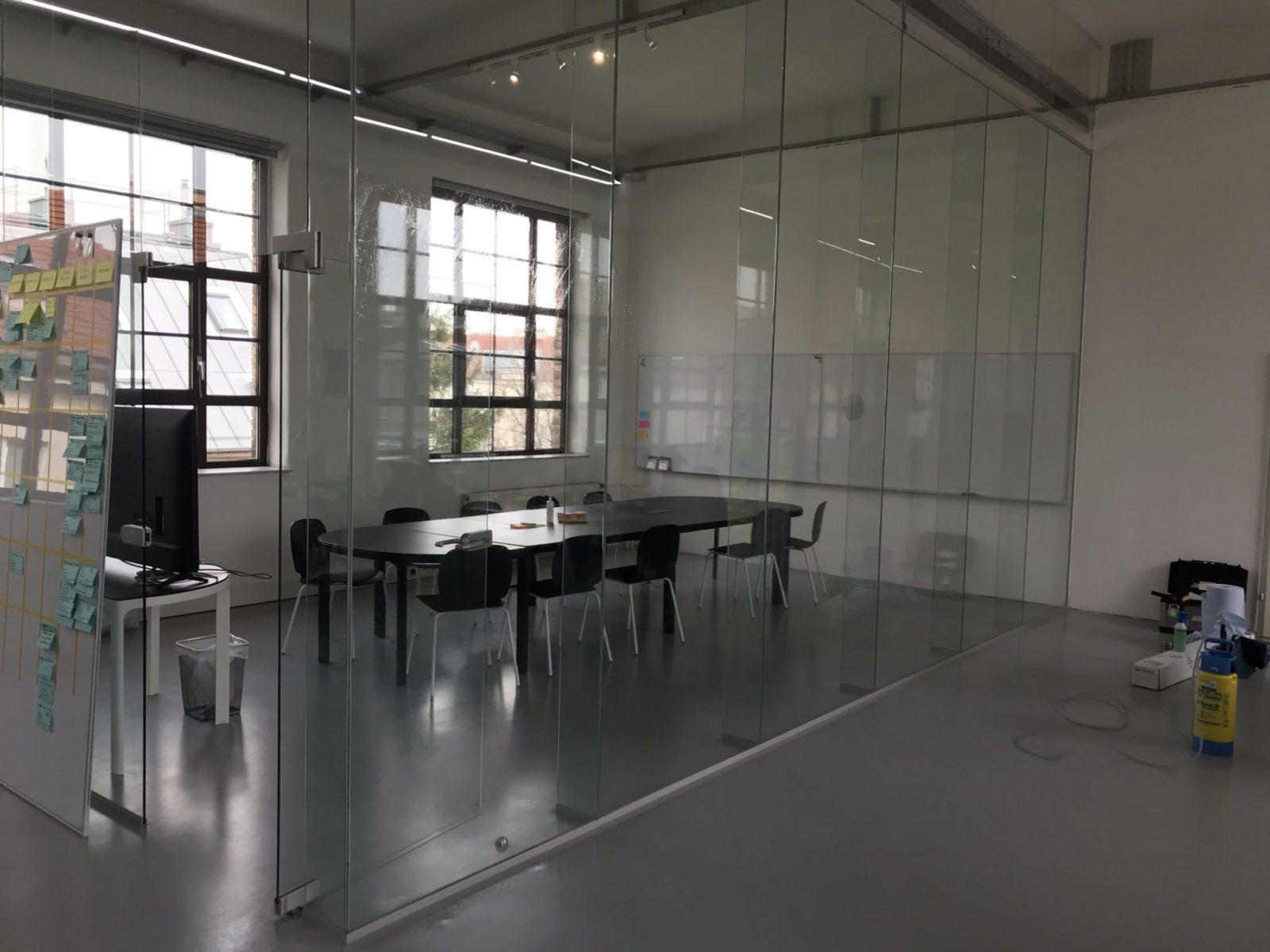 Besprechungsraum ohne Folie