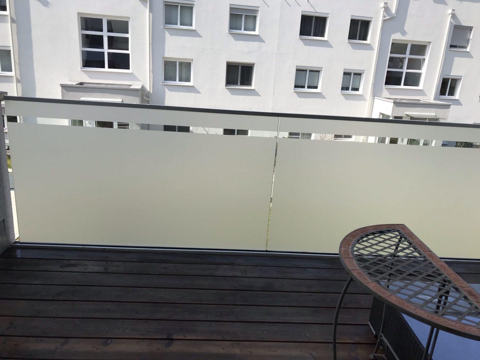 Sichtschutzfolie Balkon Glasgeländer
